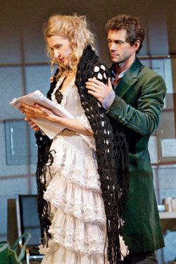 Nina Arianda & Hugh Dancy