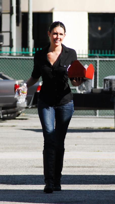 The Event Taylor Cole - On The Set Of
