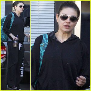 Mila Kunis: Post-Workout Coffee Run
