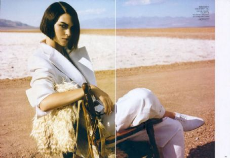 Arizona Muse Vogue China May 2012