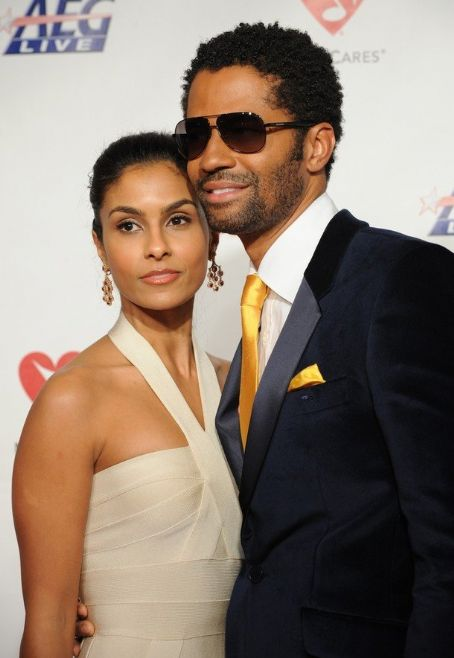 Manuela Testolini and Eric Benet Eric Benet and Manuela Testolini arrive at the MusiCares Person of the Year tribute in honor of Neil Diamond on February 06 2009, Los Angeles.