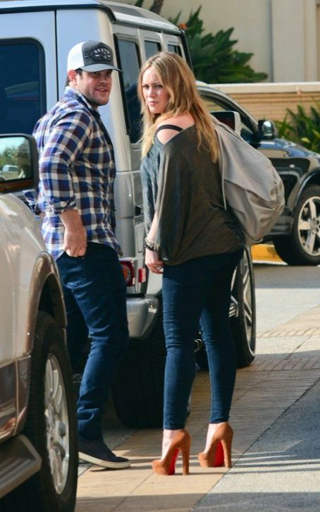Hilary Duff and her husband Mike Comrie were spotted shopping, December 29, in Beverly Hills