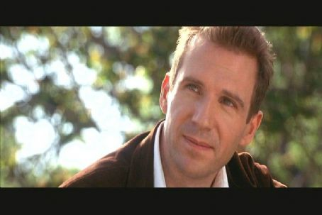 Ralph Fiennes as Christopher Marshall in Columbia's Maid In Manhattan - 2002