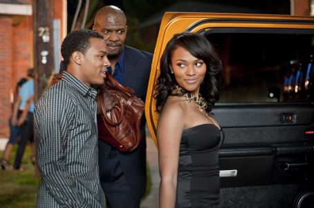 Bow Wow - (L-r) BOW WOW as Kevin Carson, TERRY CREWS as Jimmy The Driver and TEAIRRA MARI as Nikki Swayze in Alcon Entertainment's comedy 'LOTTERY TICKET,' a Warner Bros. Pictures release. Photo by David Lee