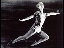 Mary Martin - MARY MARTIN ''FLYING'' AS PETER PAN 1954