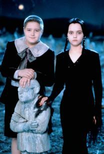 Wednesday Addams Christina Ricci and Jimmy Workman in Addams Family Value (1993)