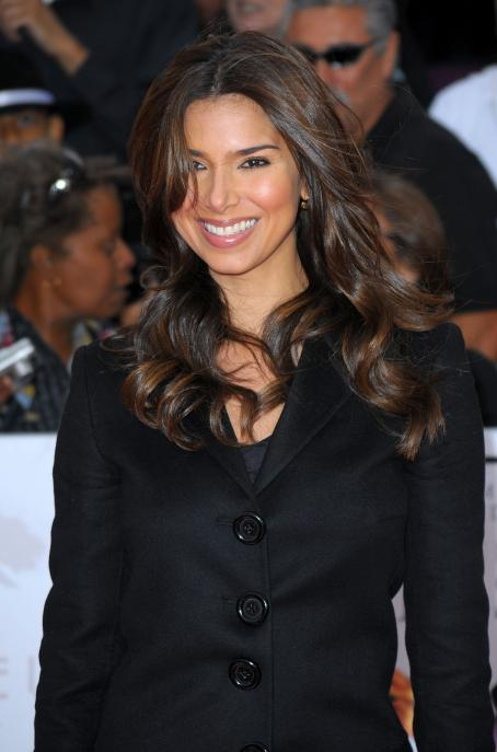 "Roselyn Sanchez - ""This Is It"" Premiere In Los Angeles - 27.10.2009"