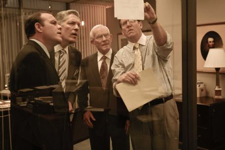 Tom Smothers (L-r) TOM PAPA as Mick Andreas, CLANCY BROWN as Aubrey Daniel, TOM SMOTHERS as Dwayne Andreas and DANIEL HAGEN as Scott Roberts in Warner Bros. Pictures', Participant Media's and Groundswell Productions' offbeat comedy 'The Informant!,&#39