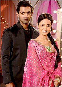 Barun Sobti and Sanaya Irani Iss Pyaar Ko Kya Naam Doon TV drama wallpapers