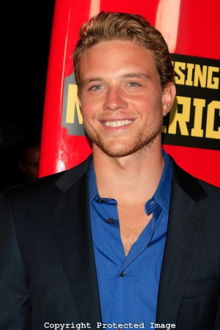 Jonny Weston Photo of Jonny Weston
