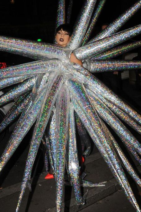 She's A Star: Lady Gaga Takes ARTPOP To  A Whole New Level With Outrageous Outfit In Paris