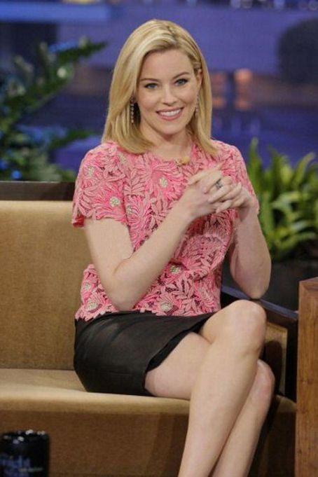 "Elizabeth Banks Drops By ""The Tonight Show"""