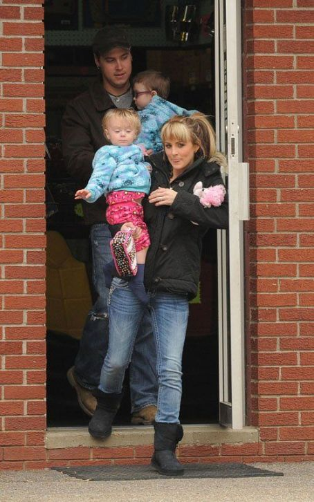 "Leah Messer-Calvert ""Teen Mom"" Leah Messer Is Married... Again!"