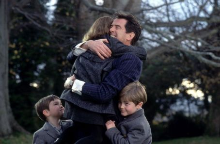 Sophie Vavasseur Pierce Brosnan as Desmond Doyle, getting to see his daughter Evelyn () and sons Dermot (Niall Beagan) and Maurice (Hugh McDonagh) in MGM's Evelyn - 2002