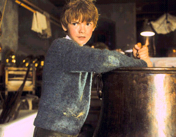 Thomas Brodie-Sangster - Thomas Sangster as Simon Brown in Universal's comedy/family movie Nanny McPhee.