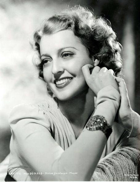 Jeanette Macdonald - Picture Colection