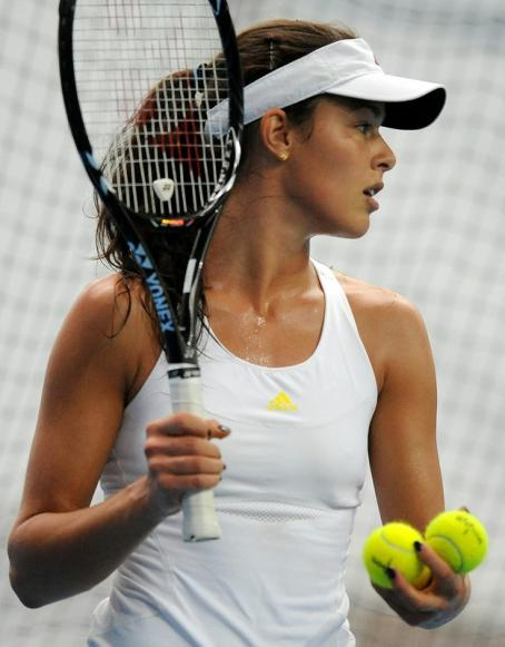 Ana Ivanovic - Practise session at the Australian open 15/01/2011