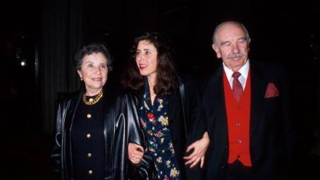 Julie Kavner  with Parents