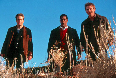 Ira (David Duchovny), Harry (Orlando Jones) and Wayne (Seann William Scott) in Dreamworks' Evolution - 2001