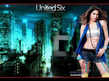 Parvathy Omanakuttan United 6 Poster n Pics