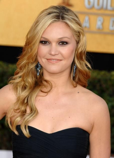 Julia Stiles - 17 Annual Screen Actors Guild Awards at The Shrine Auditorium on January 30, 2011 in Los Angeles, California