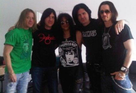 SLASH's Bassist TODD KERNS Checks In From The Studio - Dec. 22, 2011