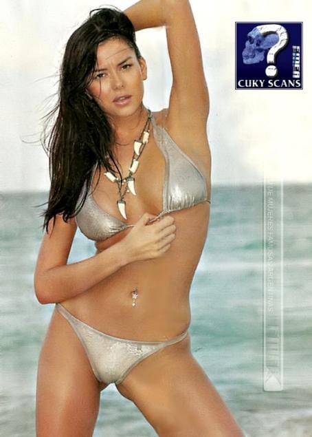 Karina Jelinek  - Paparazzi Magazine May 4 2007