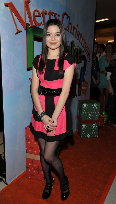 Merry Christmas, Drake & Josh - Miranda Cosgrove - the world premiere of  Merry Christmas, Drake & Josh!  in Westwood, Los Angeles 2008-12-02