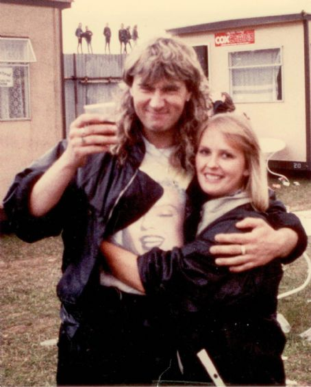 Joe Elliott - Sharon Van Wyk