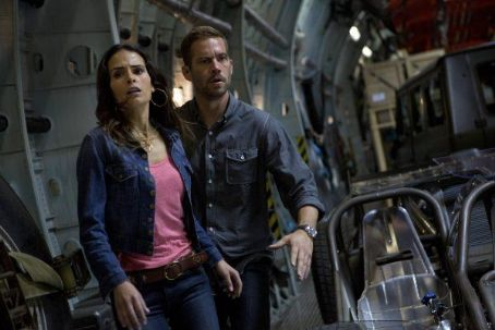 Paul Walker and Jordana Brewster Fast & Furious 6