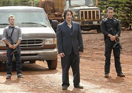 Bronson Pinchot Hawaii Five-0 (2010)