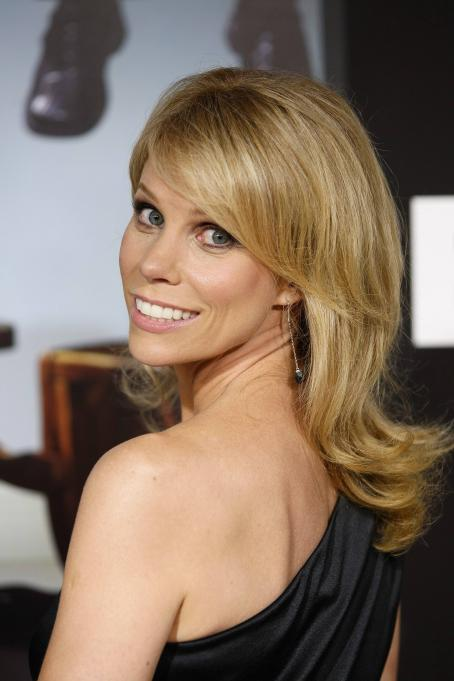 Curb Your Enthusiasm Cheryl Hines - Season 7 Premiere For '' At The Paramount Theater On The Paramount Studios Lot On September 15, 2009 In Hollywood, California