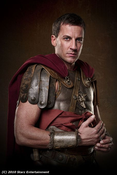 Craig Parker  As Glaber In Spartacus: Blood And Sand