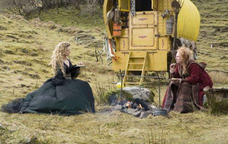 "Lamia The scheming witch  (MICHELLE PFEIFFER, left), conceals her true plans from Ditch Water Sal (MELANIE HILL, right), in ""Stardust."" Credit: David James. © 2007 Paramount Pictures. All Rights Reserved."