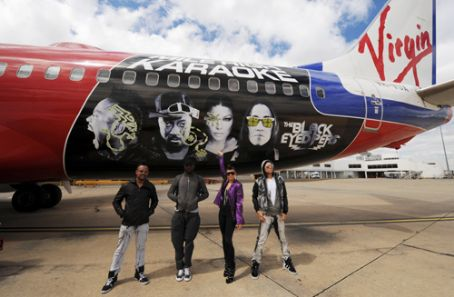 Apl.de.Ap - Black Eyed Peas performing on a Virgin Blue flight