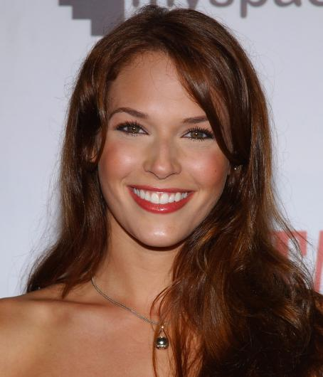 Scarface: The World Is Yours Amanda Righetti -