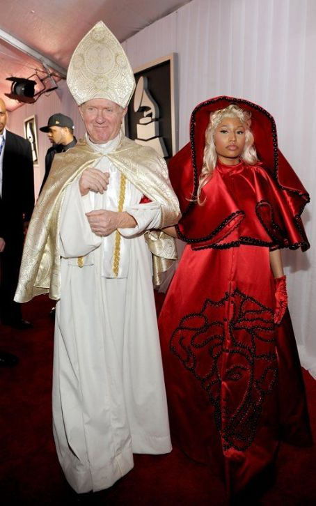 Nicki Minaj: 2012 GRAMMY Pals with the Pope