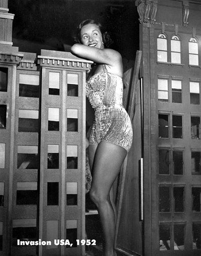 Noel Neill a Top Pin-up Girl