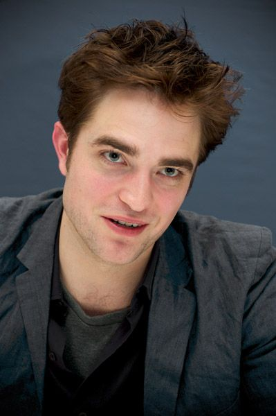 Robert Pattinson Furious over Leaked 'Breaking Dawn' Photos