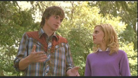 Ashton Kutcher and Brittany Murphy - Ashton Kutcher as Tom Leezak and Brittany Murphy as Sarah McNerney in 20th Century Fox's Just Married directed by Shawn Levy - 2003