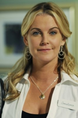 """Maeve Quinlan """"90210"""" (2008)"""