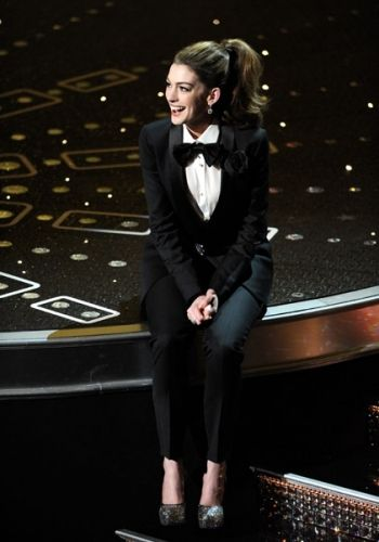 Anne Hathaway Sings At The 83rd Academy Awards