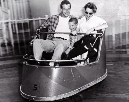 Scott Newman - Paul Newman, Jacqueline Witte and their firstborn, Scott.