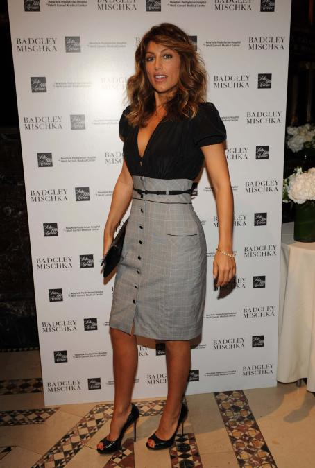 Jennifer Esposito - May 12 2008 - Badgley Mischka Luncheon And Fall 2008 Fashion Show Benefit In New York City