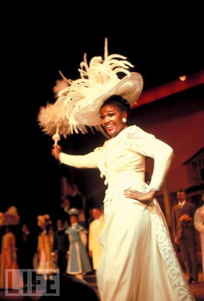 Pearl Bailey - PEARL BAILEY IN THE 1968 CAST OF HELLO DOLLY