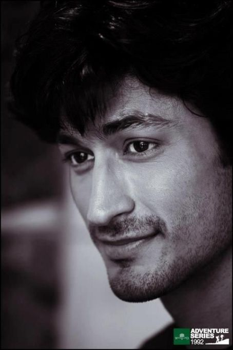 Vidyut Jamwal  - Cosmopolitan Man Magazine Pictorial [India] (May 2013)