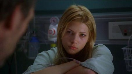 "Katheryn Winnick ""House M.D."" (2004)"