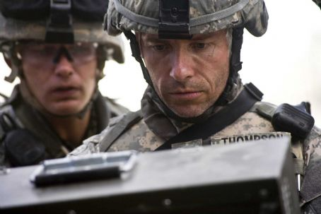 Brian Geraghty (Left to right) BRIAN GERAGHTY and GUY PEARCE star in THE HURT LOCKER. Photo: Jonathan Olley. All photos: © 2009 Summit Entertainment. All rights reserved.
