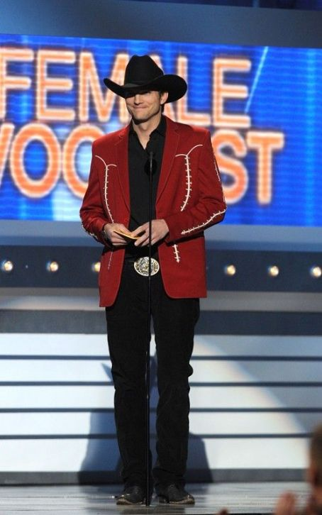 Ashton Kutcher Goes Country at the 2012 ACM Awards