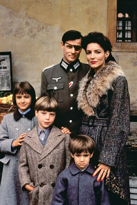 Madolyn Smith Osborne Brad Davis and  in The Plot to Kill Hitler (1990)